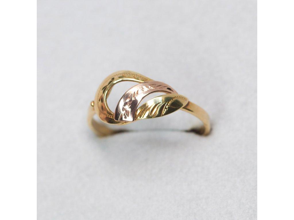 Dvoubarevný prsten, vel. 55