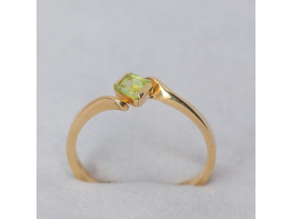 Prsten se zeleným zirkonem, vel. 59