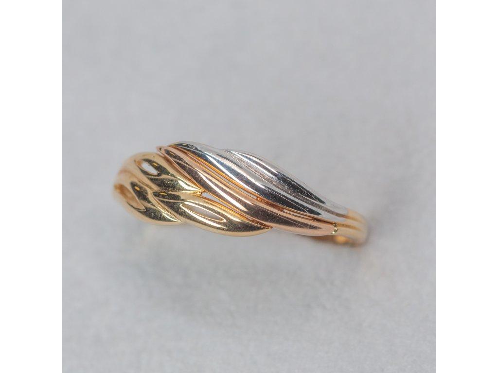 Trojbarevný prsten, vel. 59