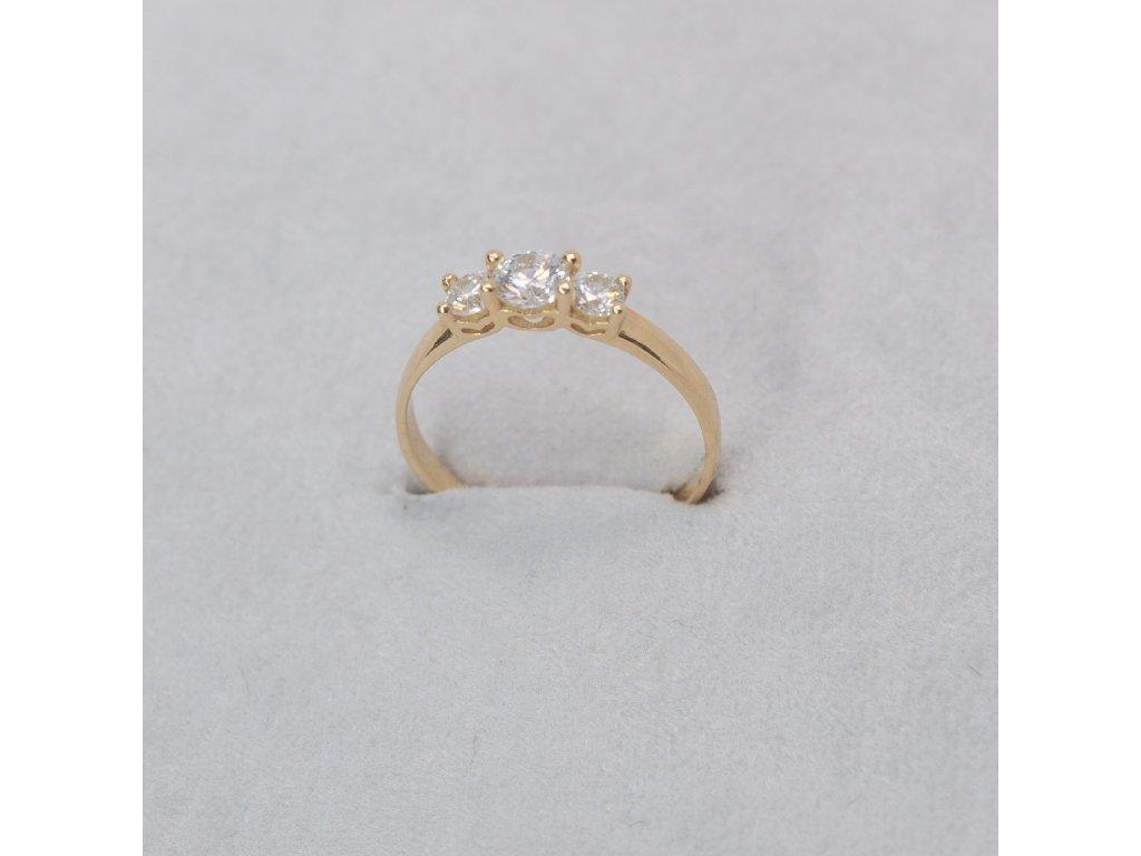 Prsten se třemi zirkony, vel. 50