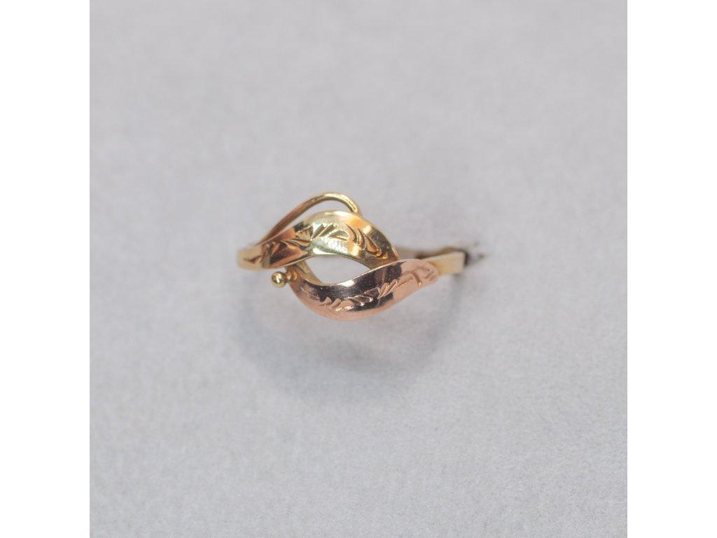 Dvoubarevný zdobený prsten, vel. 49
