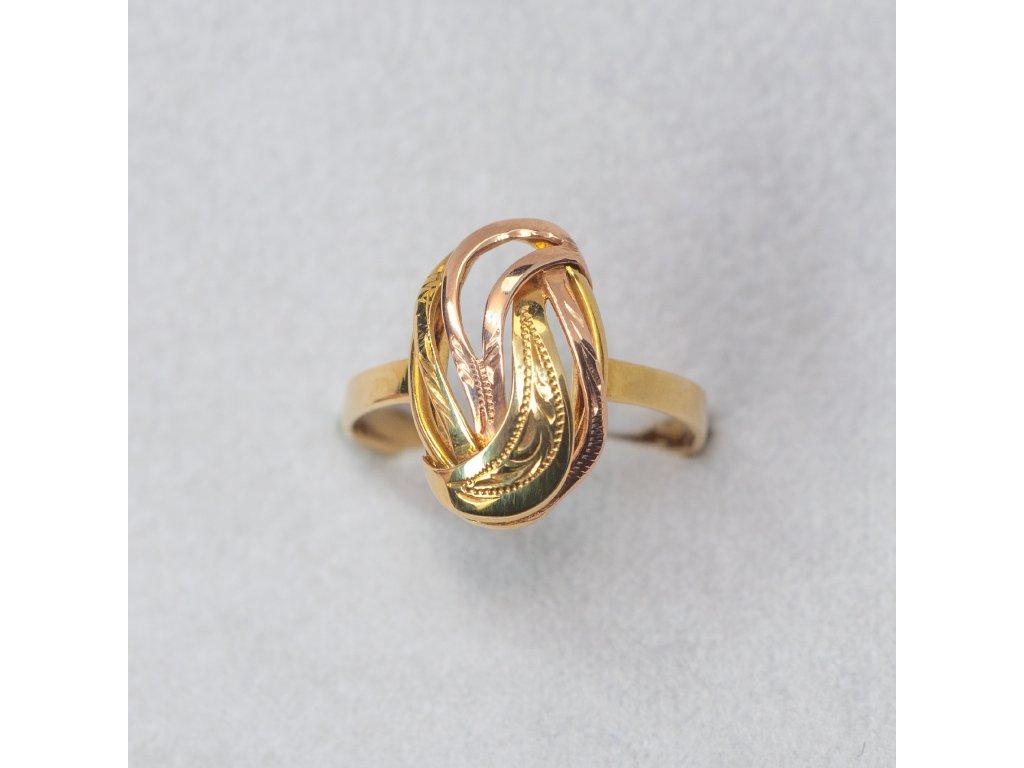 Zdobený dvoubarevný prsten, vel. 55