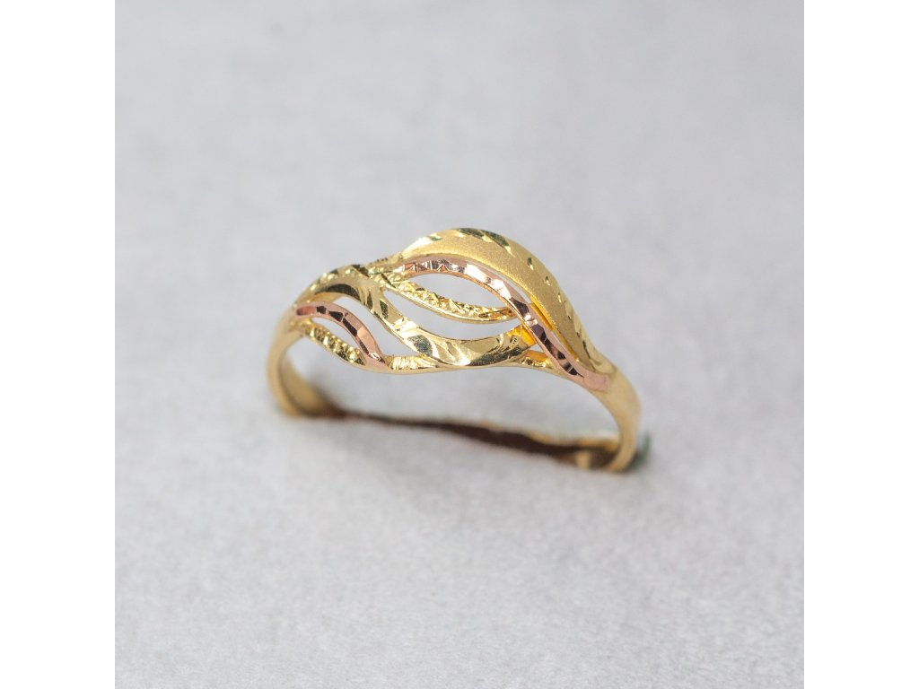 Zdobený dvoubarevný prsten, vel. 56