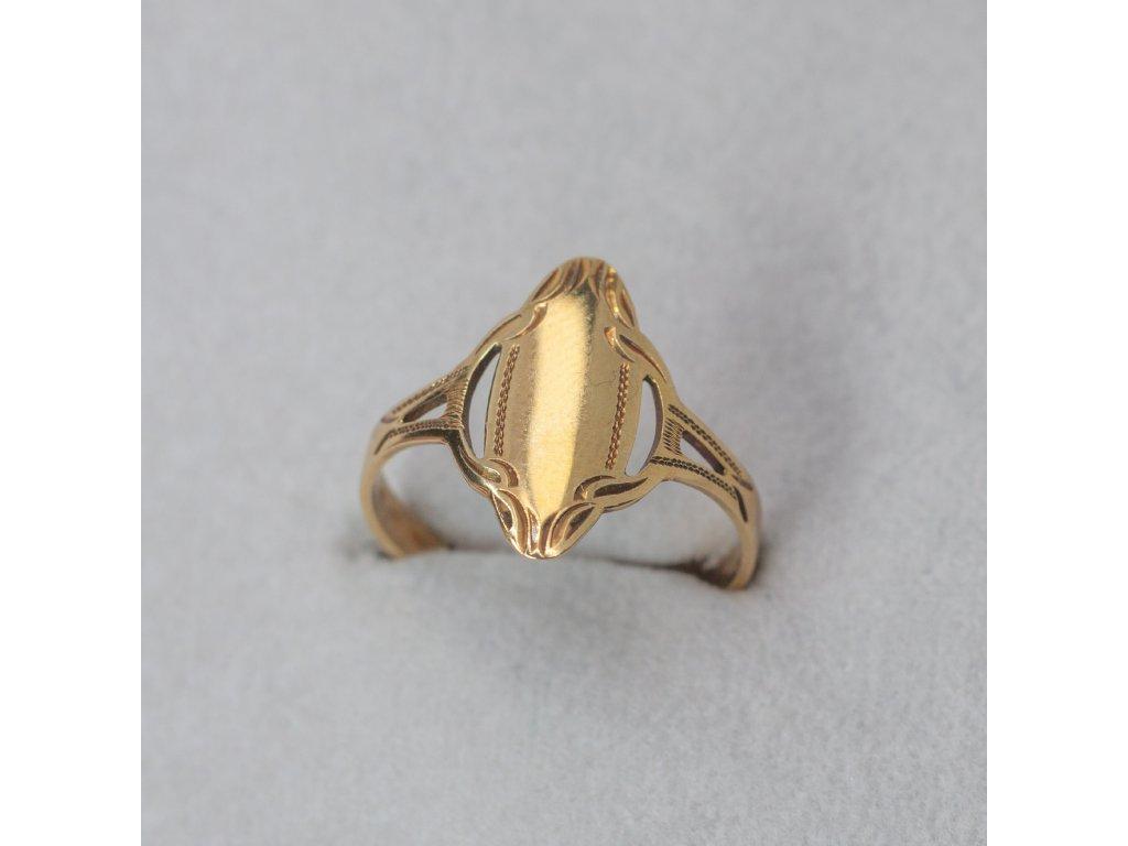 Zlatý zdobený prsten, vel. 51