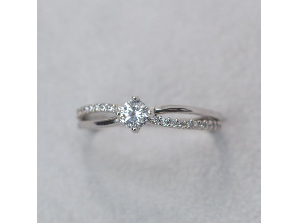 Prsten z bílého zlata se zirkony, vel. 53