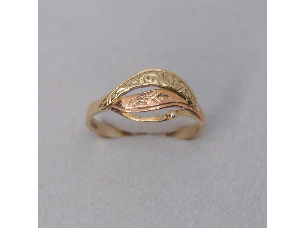 Zdobený dvoubarevný prsten, vel. 54
