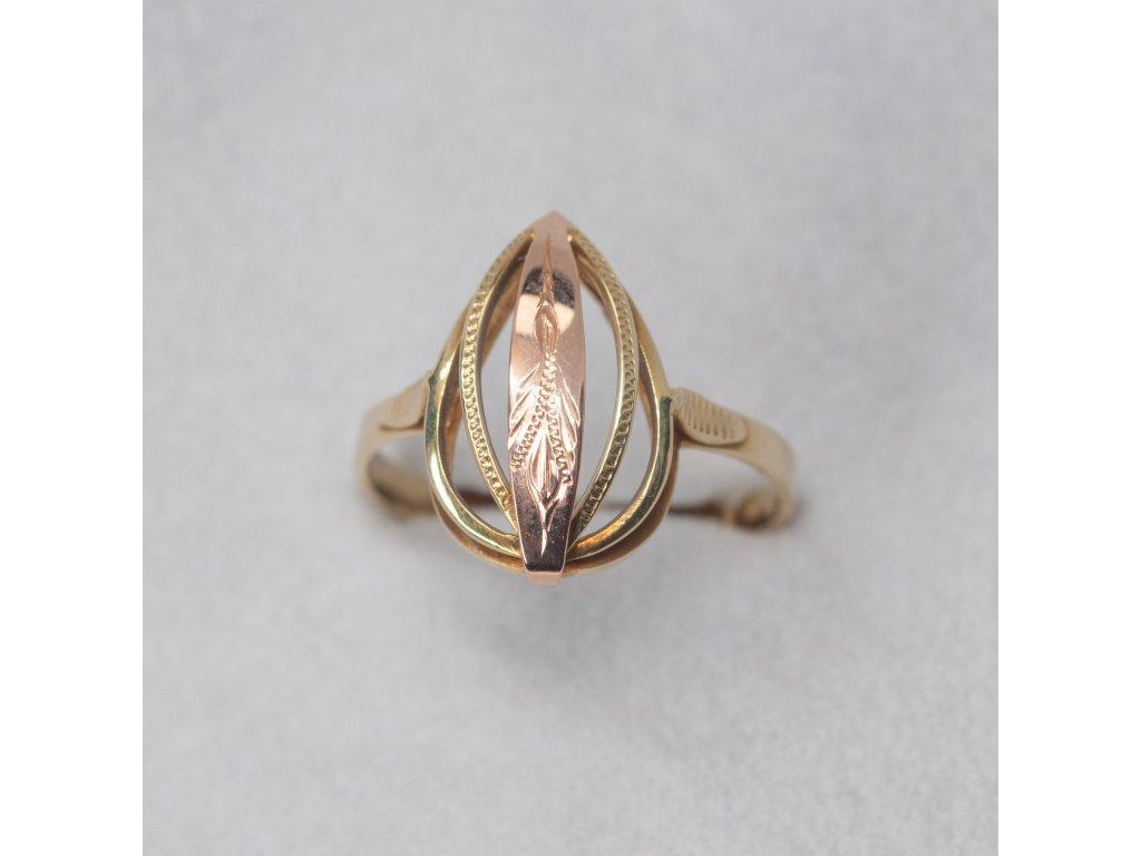 Dvoubarevný zdobený prsten ze žlutého zlata, vel. 57