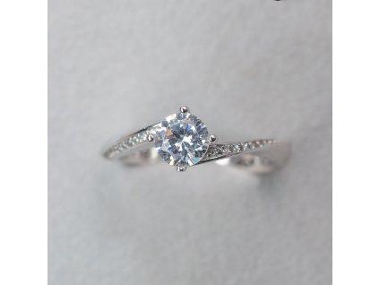 Prsten s obtočenou obroučkou, vel. 50