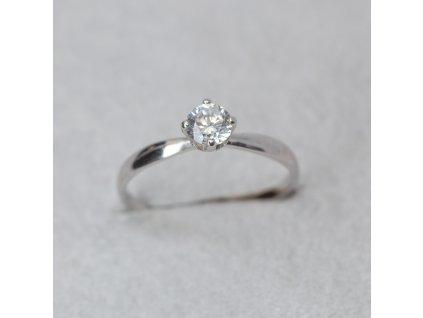Prsten z bílého zlata a zirkonem, vel. 49