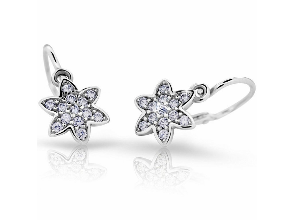 Bílé zlato – dětské náušnice osazené brilianty ND2206 Diamonds ve tvaru hvězdičky