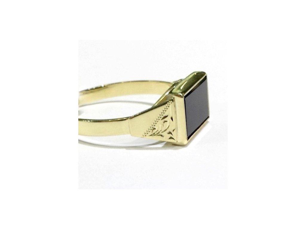Pánský prsten žluté zlato s Onyxem