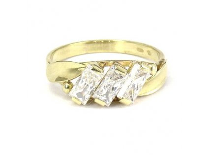 Zlatý prsten s třpytivými zirkony