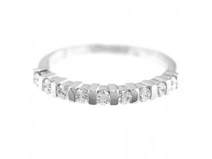 Prsten z bílého zlata ozdobený přírodními brilianty