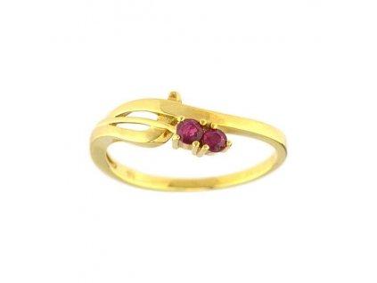 Elegantní rubínový prsten ze žlutého zlata