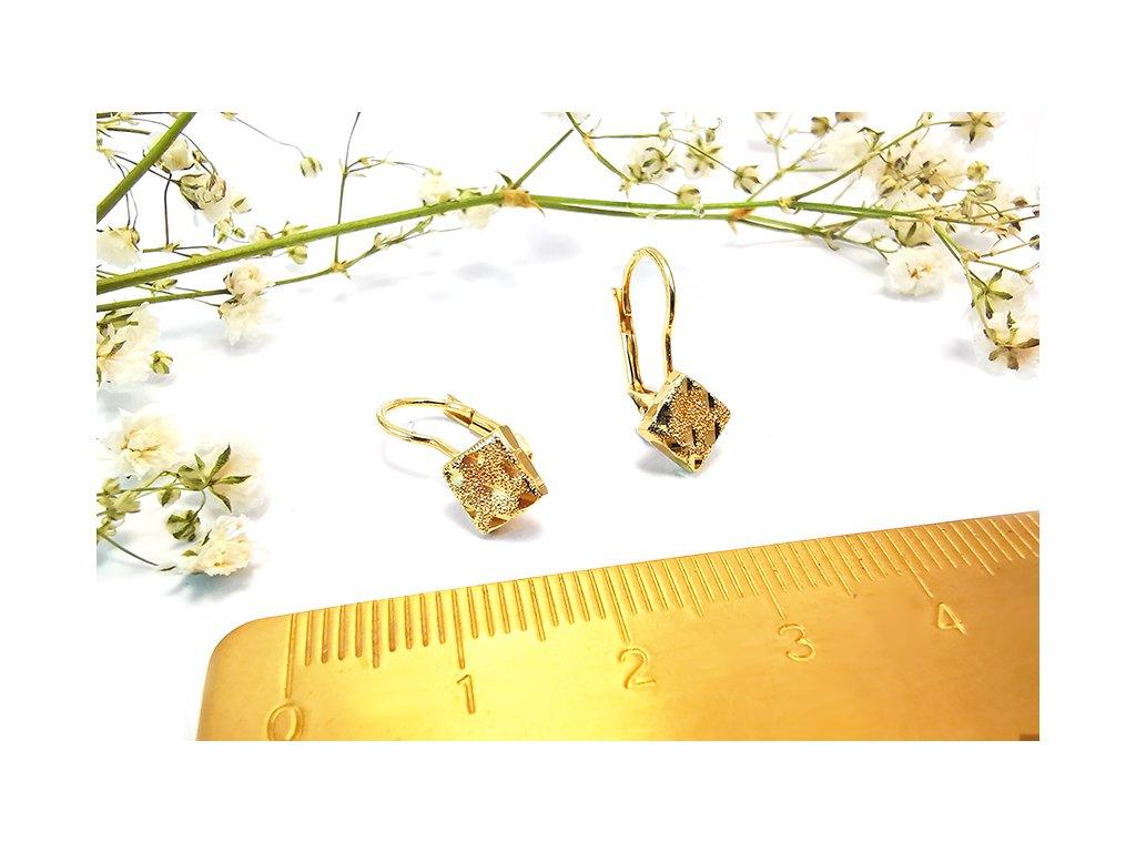 Gravírované zlaté náušnice  + servis a krabička, darček