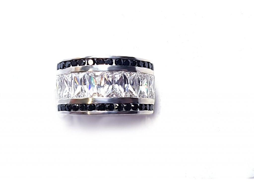 Extravagantný strieborný prsteň  +servis + krabička