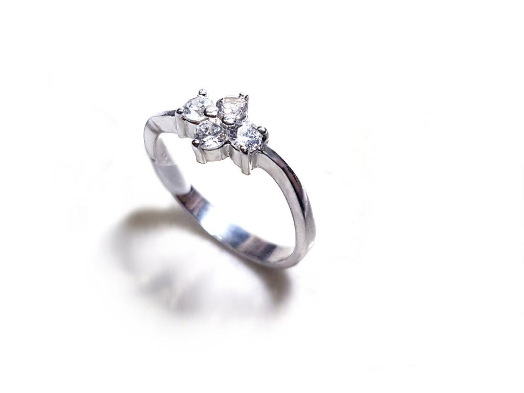 Jemný elegantný prsteň zo striebra  +servis + krabička