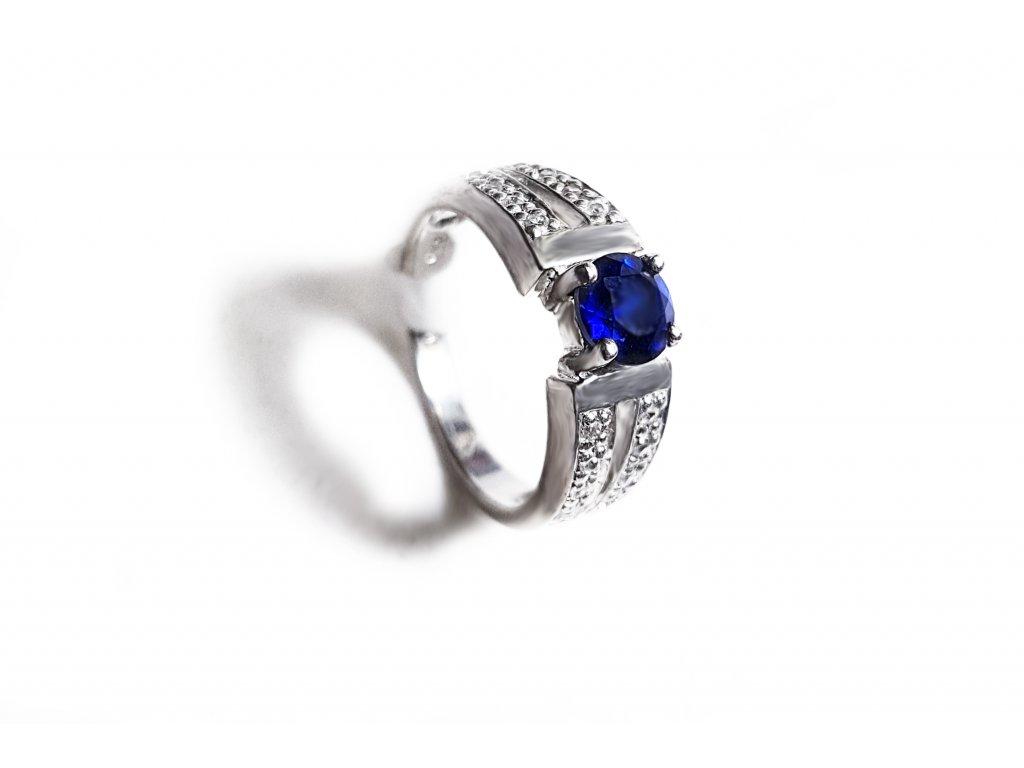Nádherný strieborný prsteň s tmavomodrým ústredným zirkónom  +servis + krabička