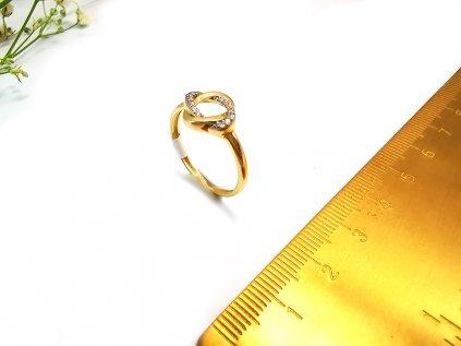 Zlatý dámsky prsteň s osadenými bielymi zirkónmi  + servis # GIFTS # krabička