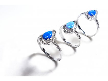 Striebroný prsteň so syntetickým opálom v tvare slzičky  +servis + krabička
