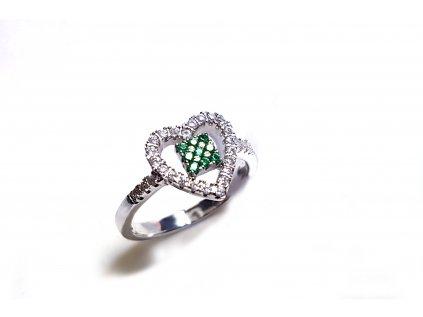 Strieborný prsteň v tvare srdiečka so zelenými kameňmi  +servis + krabička