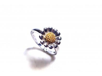 Nádherný strieborný prsteň v tvare kvietka  +servis + krabička