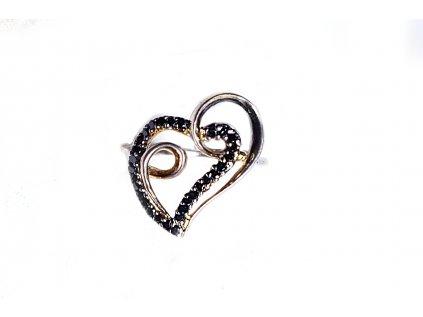 Strieborný prsteň v tvare srdiečka s tmavými zirkónmi  +servis + krabička