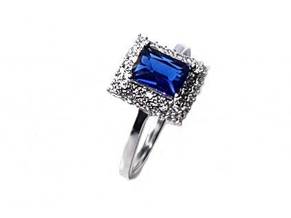 Prekrásny strieborný prsteň s tmavomodrým ústredným zirkónom