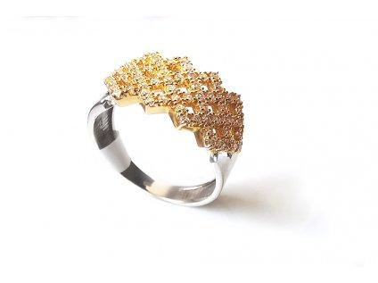 Jedinečný prsteň zo žltého zlata posiaty zirkónmi  +servis + krabička