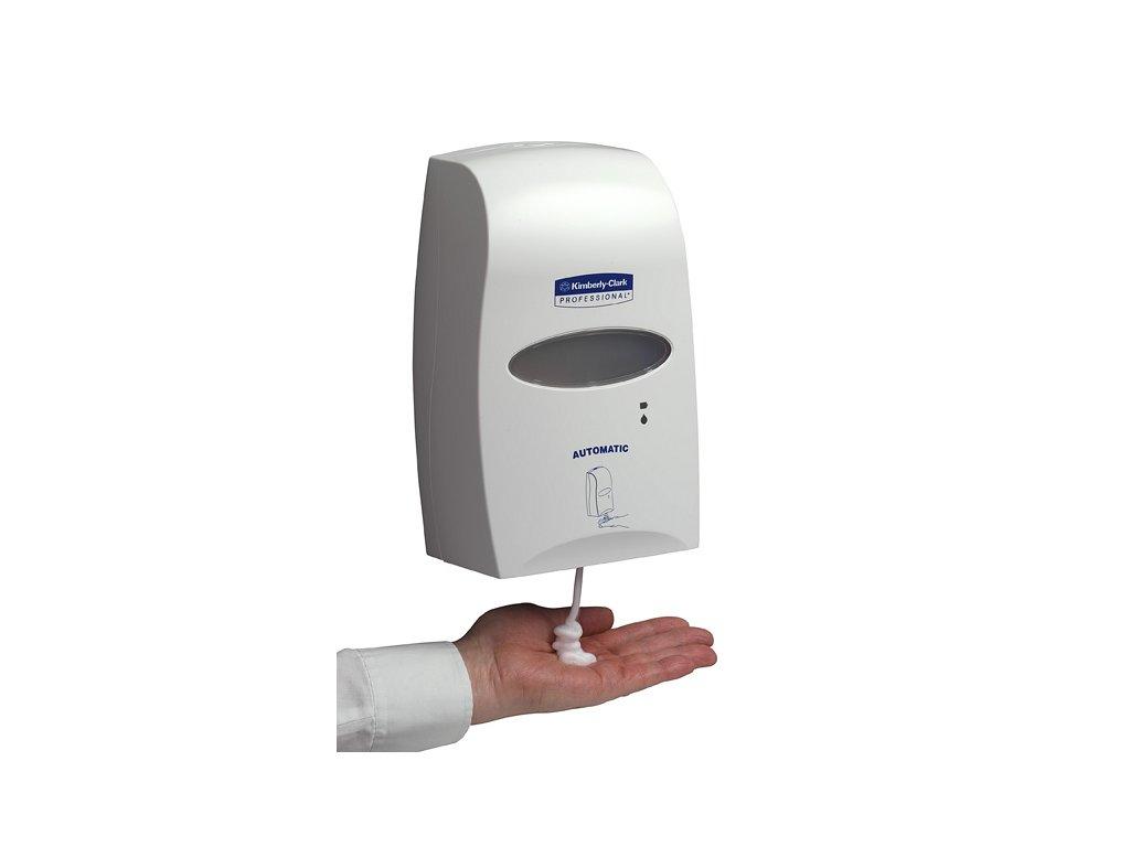 Kimberly-Clark Professional elektronický dávkovač mýdla-kožního prostředku 1,2L, 92147