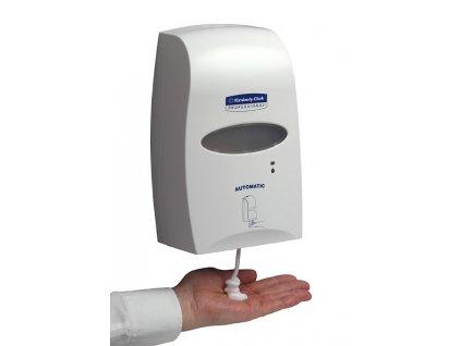 Kimberly-Clark PROFESSIONAL elektronický dávkovač mýdla-kožního prostředku 1,2L(14)