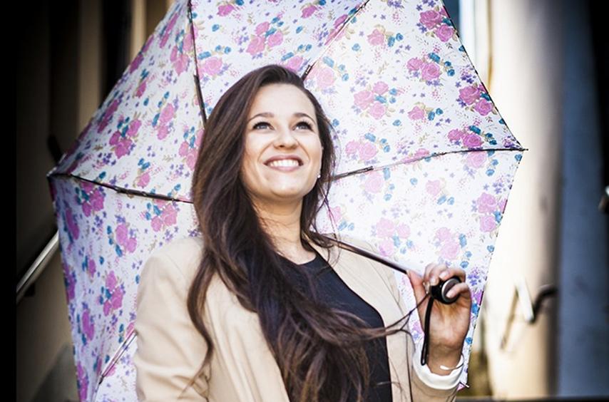 Květinu můžete darovat i na deštníku