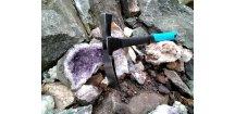 """,, geologické a paleontoligické """" multifunkční kladivo s rozšířenou stranou pro dělení vzorků a prodlouženou rukojetí"""