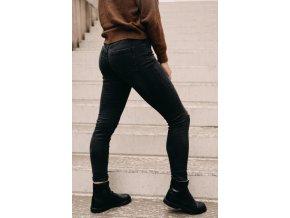 kalhoty černé s dírou