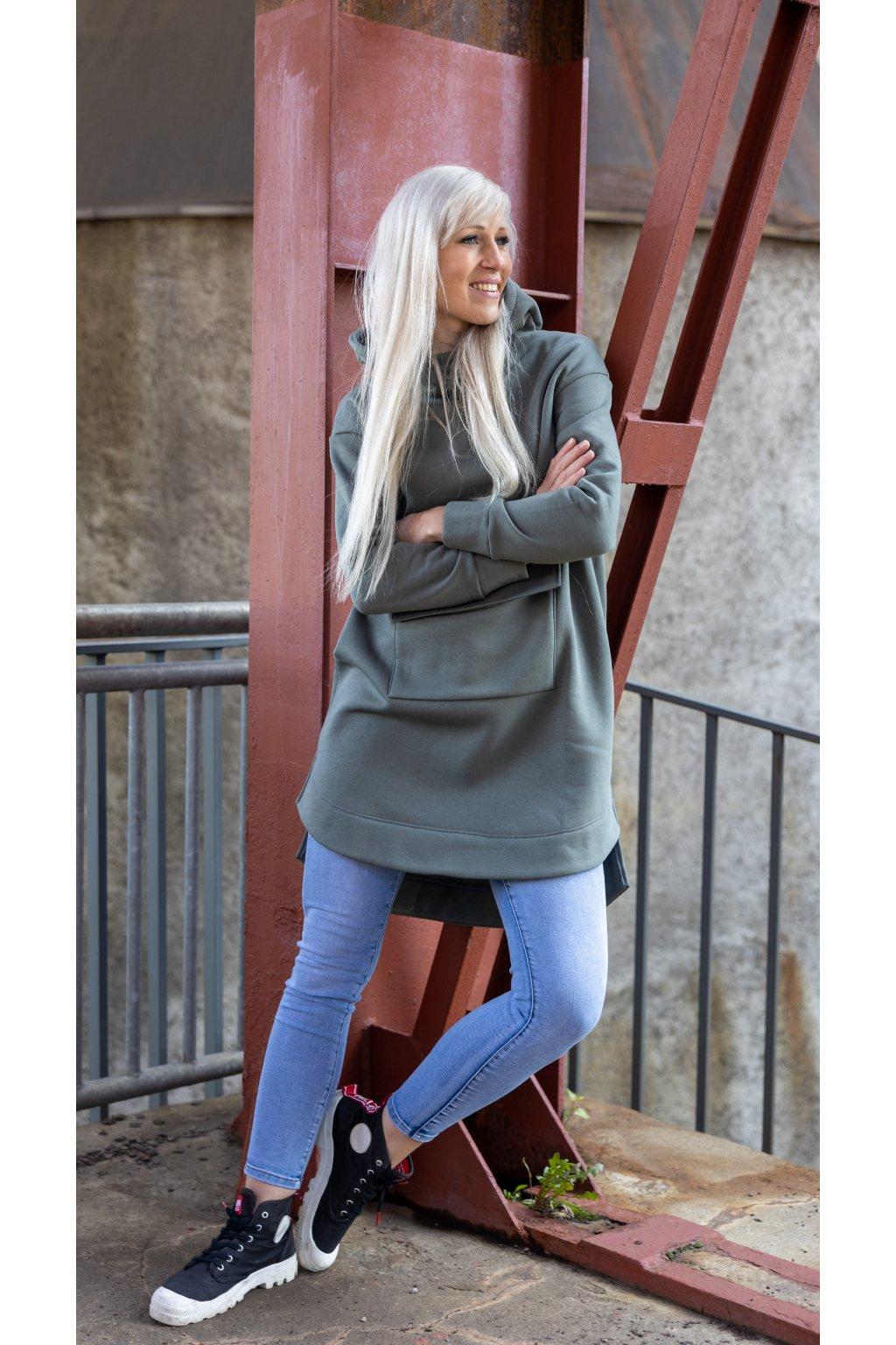 Prodloužená mikina khaki s kapucí 2