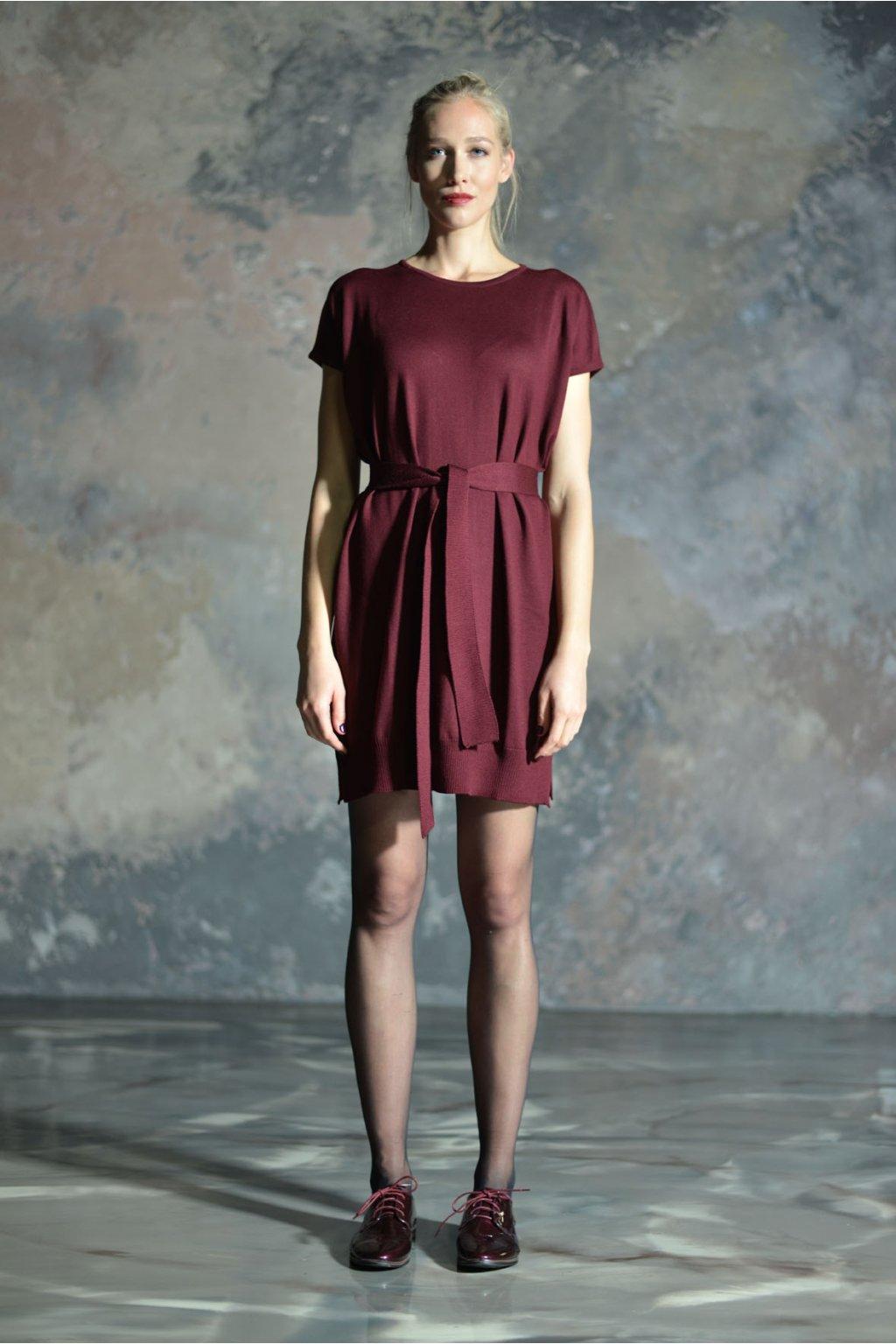 Merino šaty MIK s krátkým rukávem vínové 2