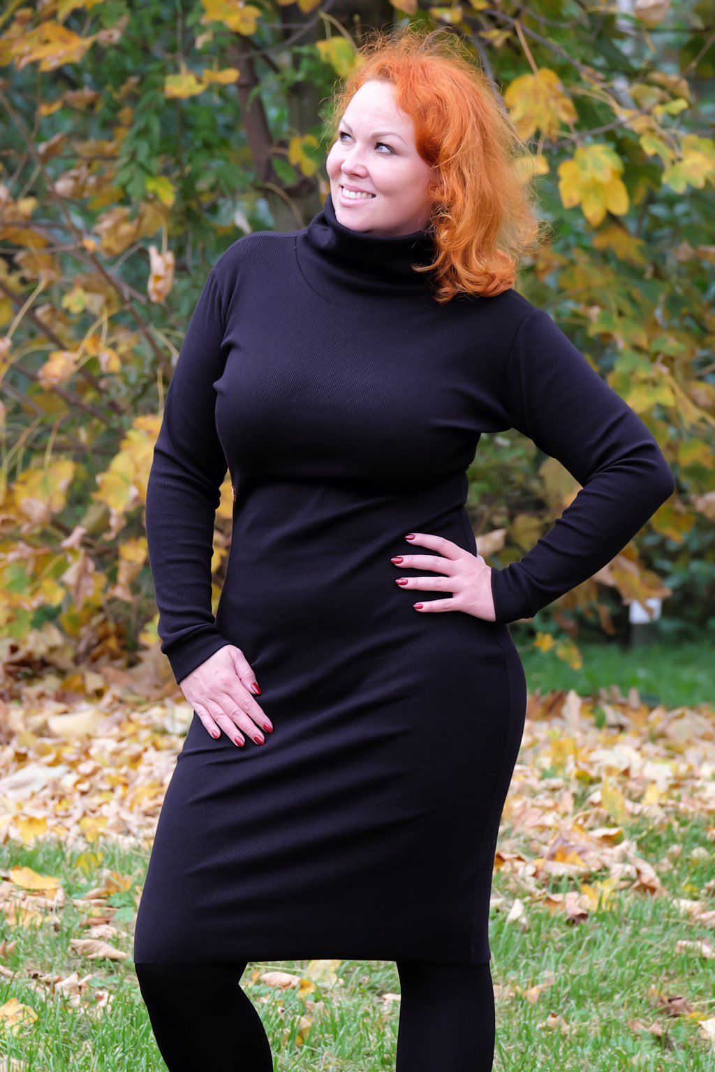 Dámské šaty s rolákem černé 1