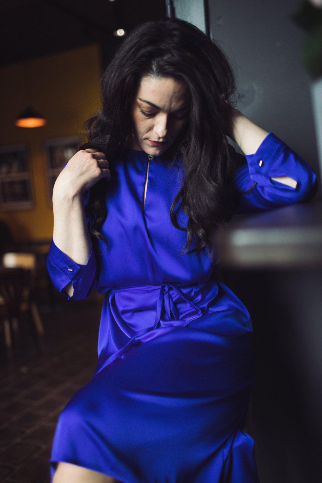 Dámské šaty z hedvábí Alchemilla s 3:4 rukávem tmavě modré 1