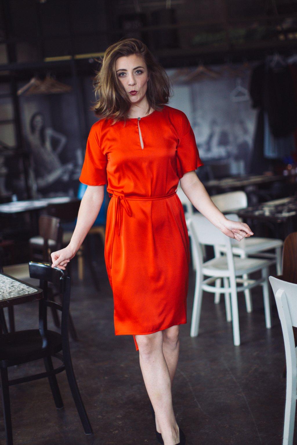 Dámské šaty z hedvábí Alchemilla červené 5