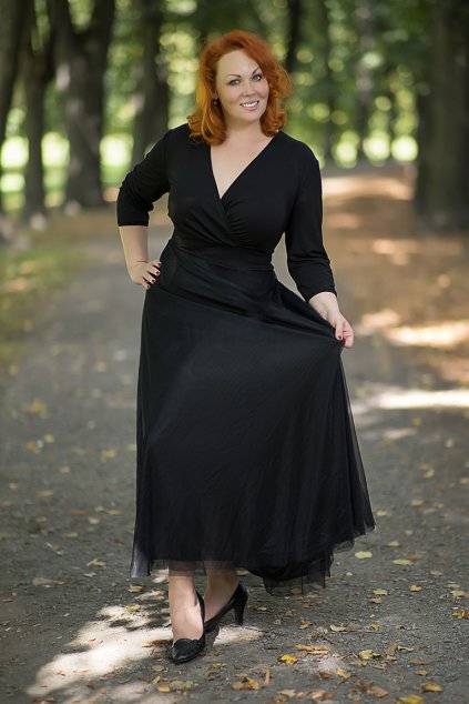 Dlouhé splečenské šaty Charlotta ZURI s jemnou splývavou sukní 4