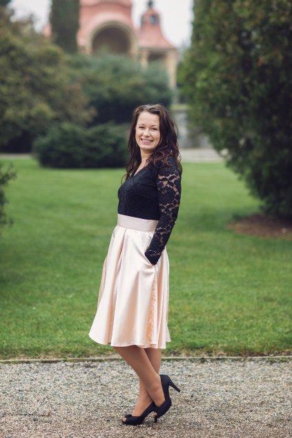 Krátká saténová sukně Rosie pudrová