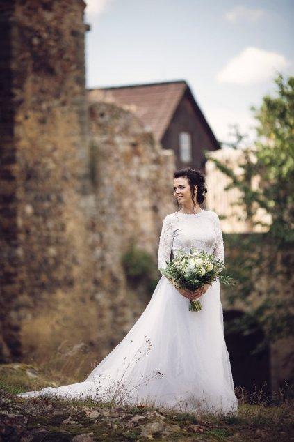 Krajkové svatební šaty Renes ZURI s dlouhou tylovou sukní
