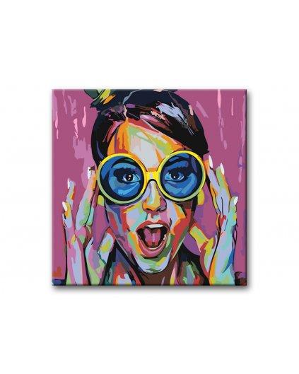 Malowanie po numerach – Pomalowana piękność w niebieskich okularach