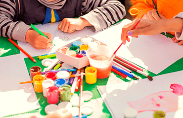 Maľovanie s deťmi a ďalších 10 spôsobov, ako deti zabaviť