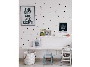 detský stul a malé puntíky 2cm