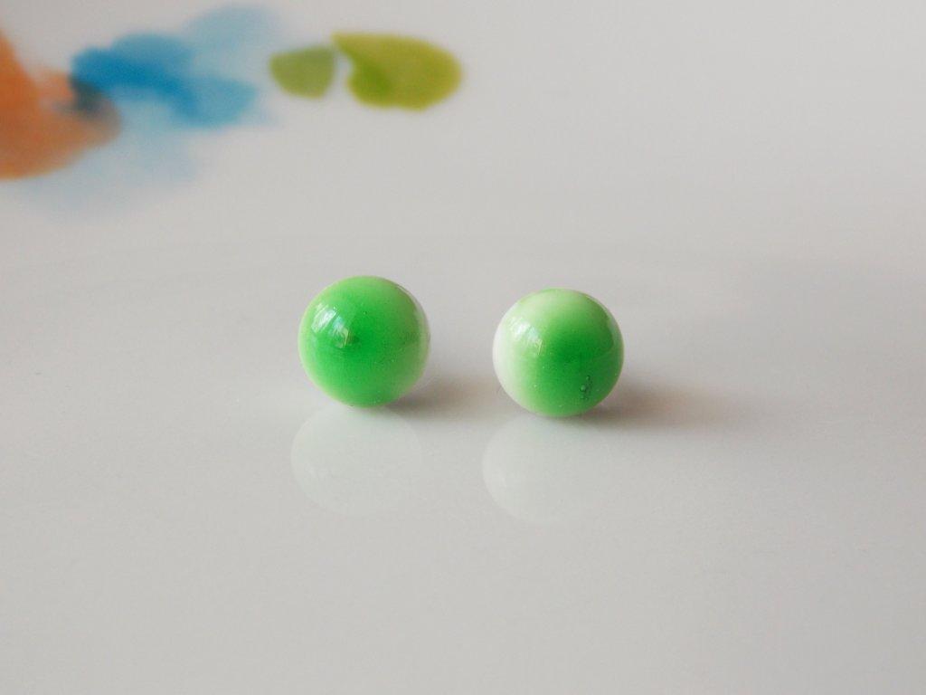Puzetky zelená v bílé
